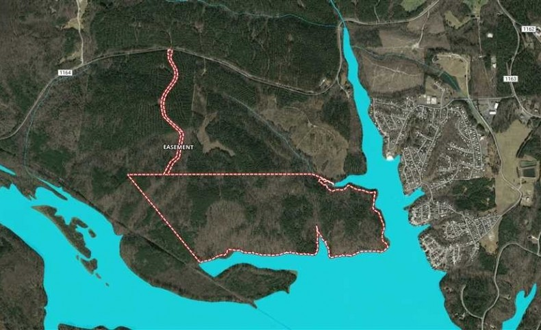 200 Acres prime waterfront in New London, Montgomery County