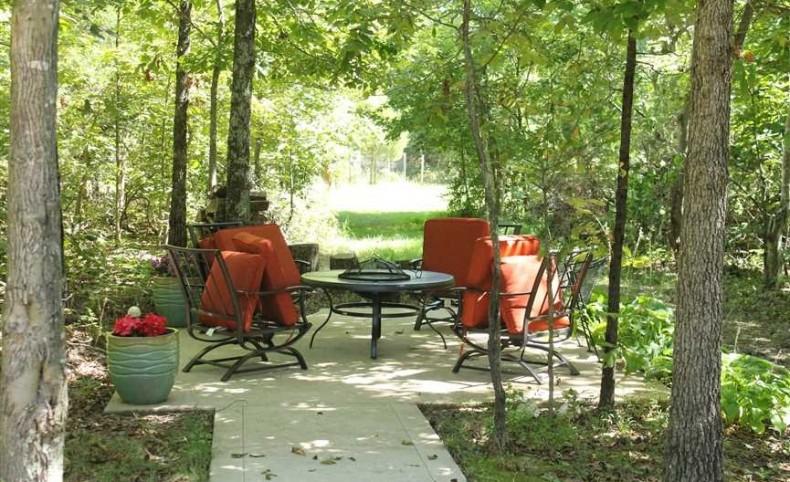 Exclusive retreat on 87 acres