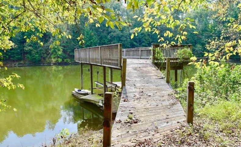 5 Acres of Residential Waterfront Land For Sale in Bedford County VA!