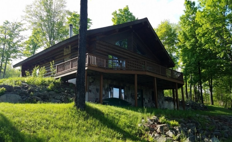 Northwoods Lodge on Paint River For Sale in Iron River, MI
