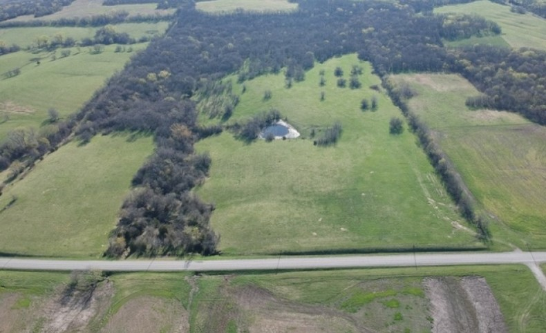 960 ac - Farm with Home - Can Divide