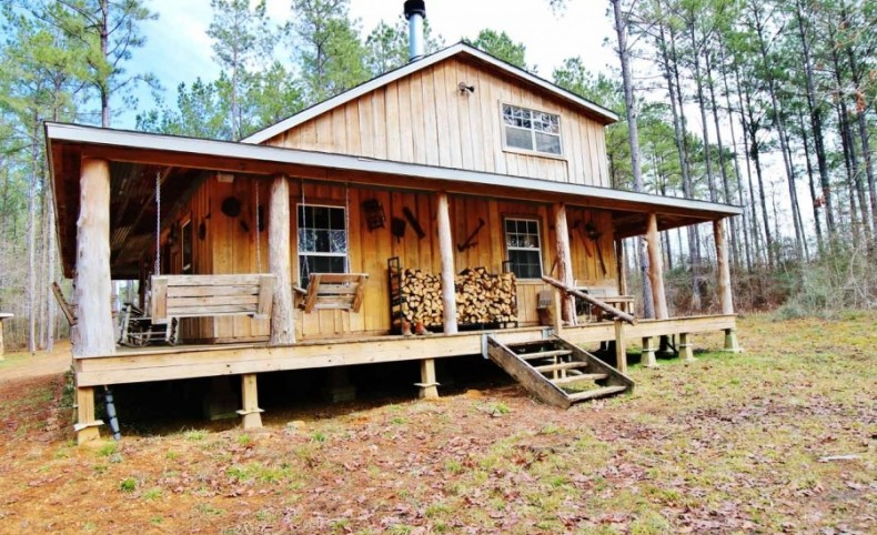 Hunting Lodge Guest Cabin Lake for Sale Amite County MS
