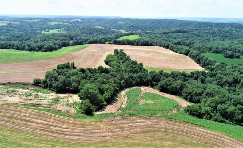 Rare large tract of Iowa County hunting and farm land