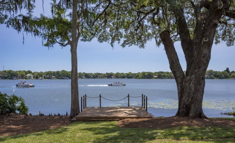 The ONLY Available Luxury Lot on the Winter Park Chain of Lakes