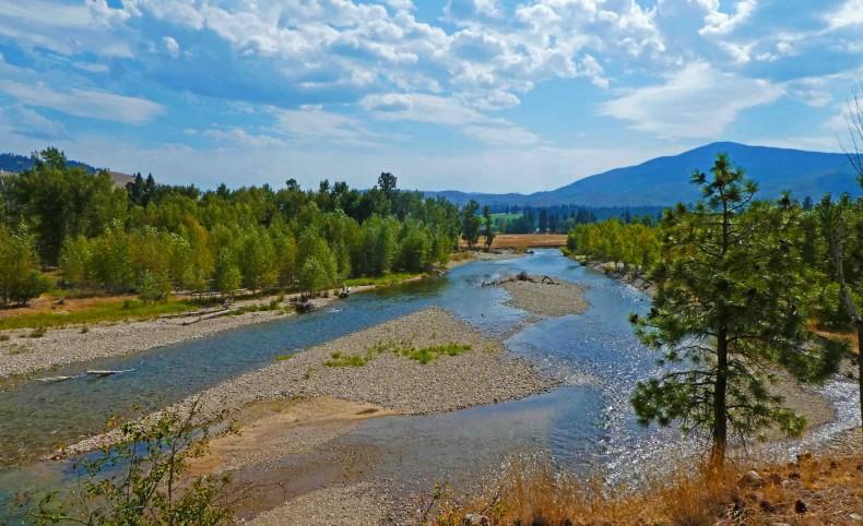 Montana Log Home w/1/2 Mile of Riverfrontage!