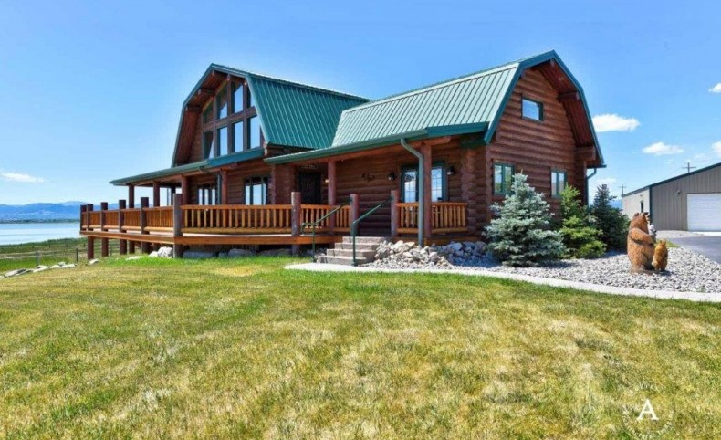 Lakefront Horse Property
