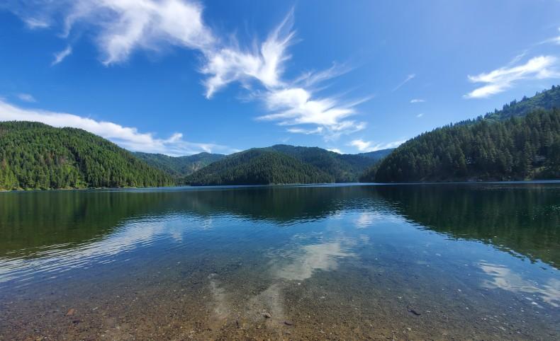 Quite lakefront getaway