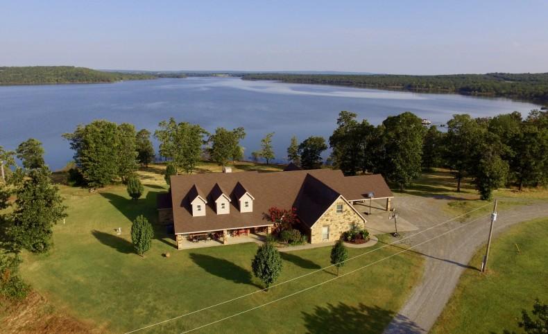 Stinchcomb lake house
