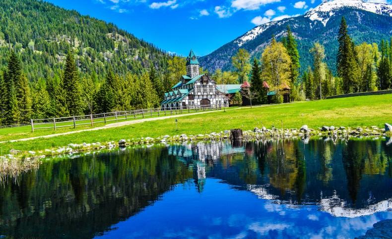 Cabinet Mountain Blue Creek Lodge